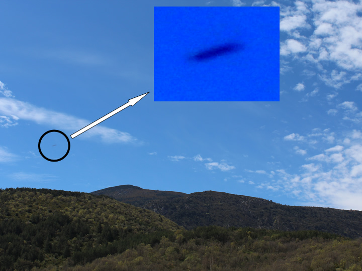 UFO photographed in Rasal &#45; (Huesca &#45; Spain) &#45; 23<sup>rd</sup> April, 2016