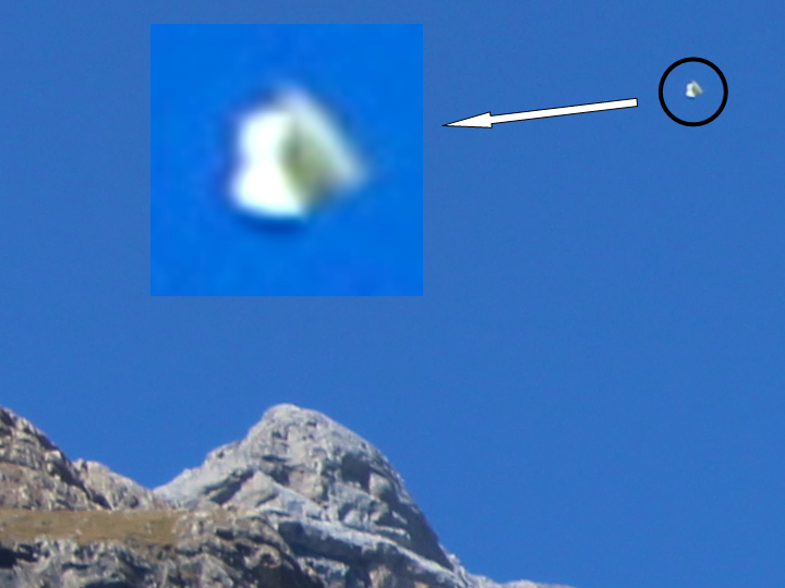UFO photographed in Monte Perdido (Huesca &#45; Spain) &#45; 23<sup>rd</sup> September, 2017